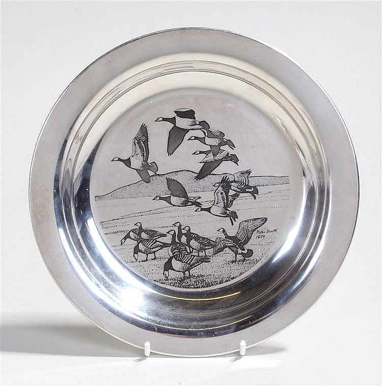 Elizabeth II Peter Scott silver dish, London 1974, the dish with Canadian G