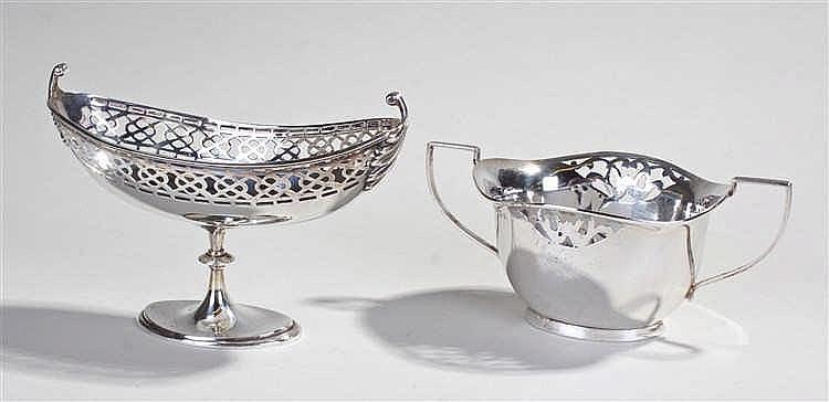 Silver bonbon dish, on raised pedestal feet and with pierced decoration als
