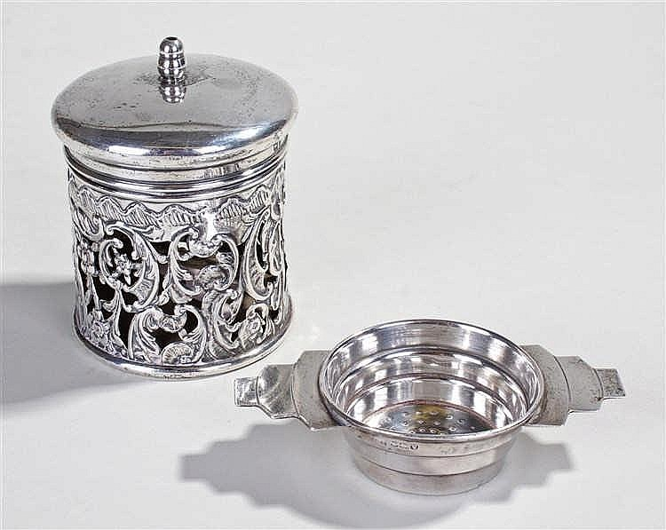 Edward VII silver lidded canister, Birmingham 1905, the finial top above a