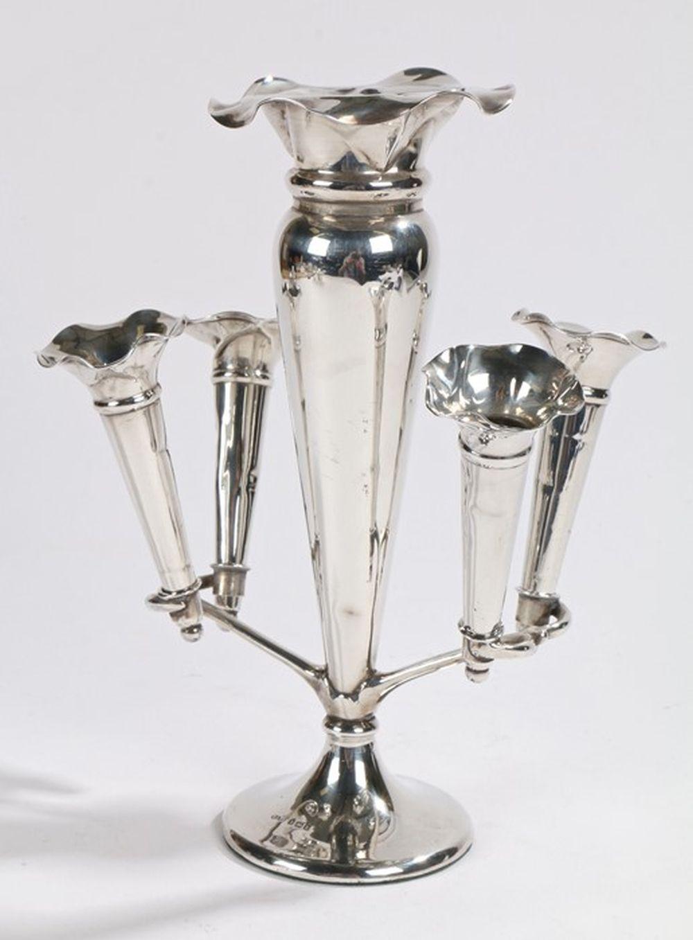 Edward VII silver epergne, Birmingham 1907, maker Harrison & Hipwood, with four detachable trumpet f