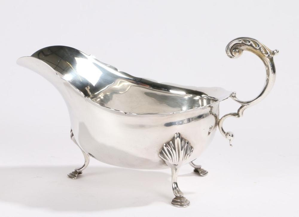 Edward VII silver sauceboat, Sheffield 1901, maker James Charles Jay, with acanthus leaf capped doub