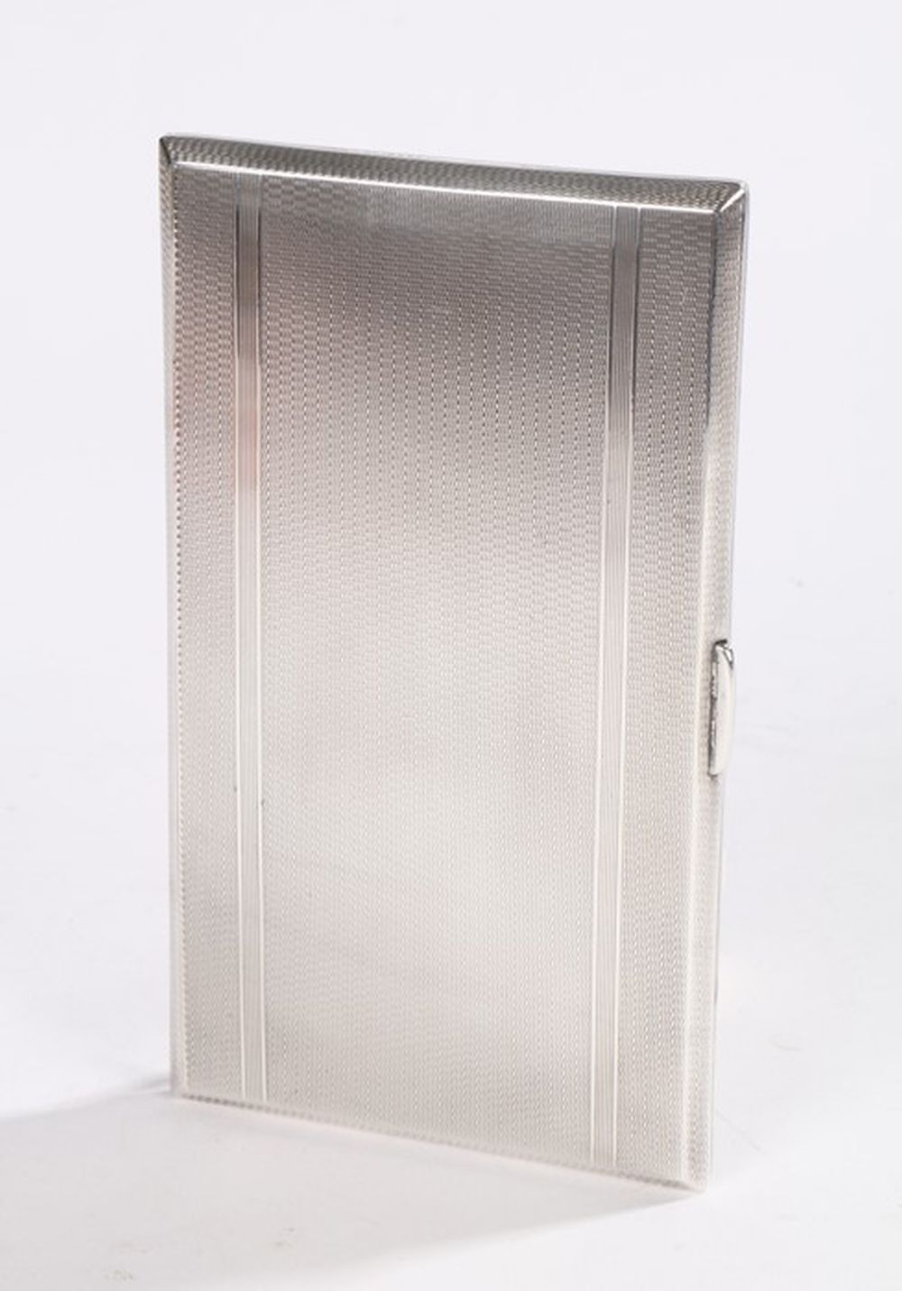 Elizabeth II silver cigarette case, Chester 1946, maker Wayne Hart & Co, with engine turned interior