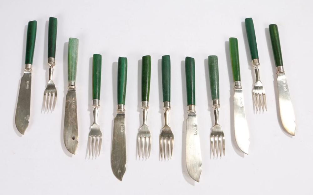 Matched set of six Edward VII and George V silver fish knives and forks, four knives and forks Londo