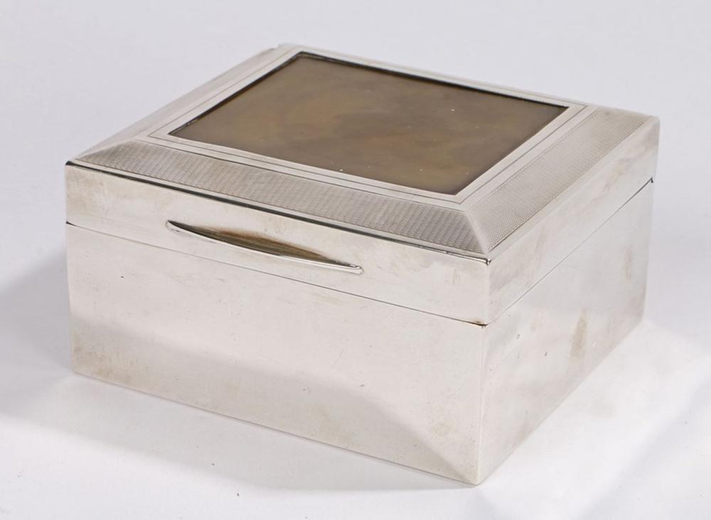 George V silver cigarette box, London 1926, maker Padgett & Braham Ltd, the engine turned hinged lid