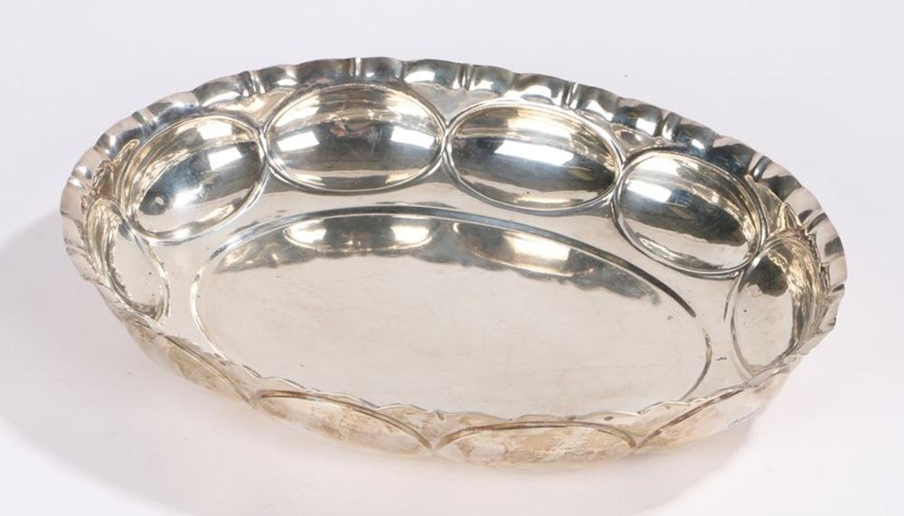 William IV silver dish, London 1836, maker William Bateman II, of oval form with crimped rim above o