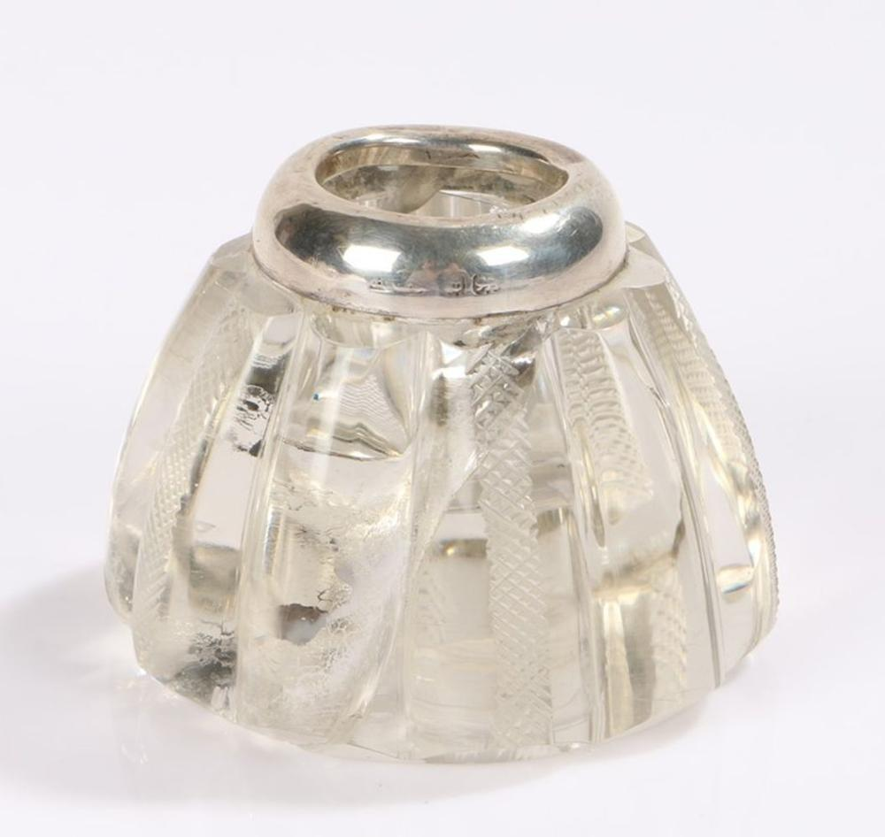 Early 20th Century silver mounted glass inkwell, Birmingham marks rubbed, with hobnail cut tapering