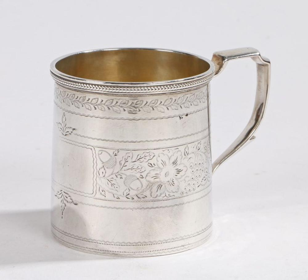 George IV silver tankard, London 1825, maker W.S, with angular capped handle, the body with foliate