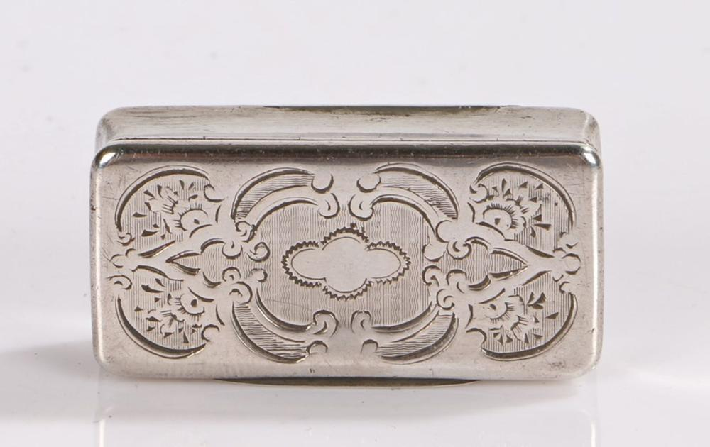 19th Century French silver snuff box, the hinged lid with vacant quatrefoil form cartouche surrounde