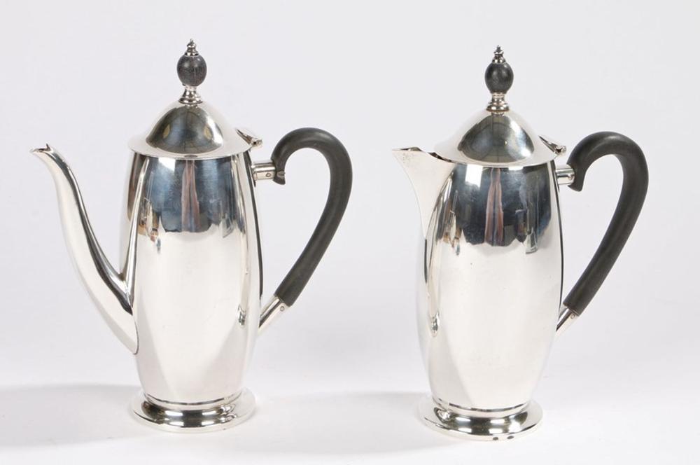 Edward VIII silver coffee pot and hot water jug, Sheffield 1936, maker Lee & Wigfull (Henry Wigfull)