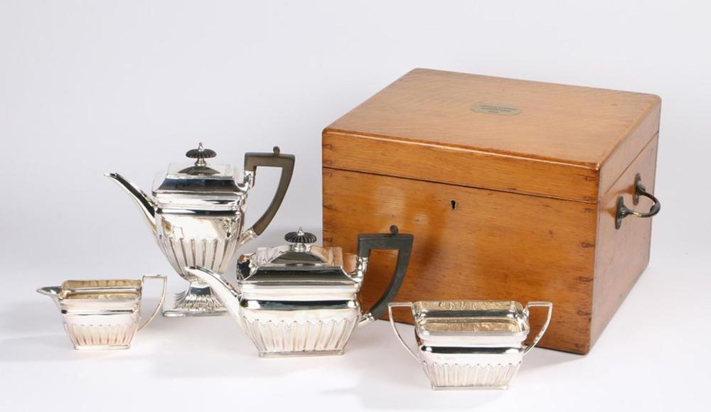 Victorian silver tea and coffee service, London 1886, maker William & George Sissons, consisting of