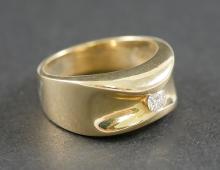 MANS 14K DIAMOND RING 1/5 CARAT DIAMOND