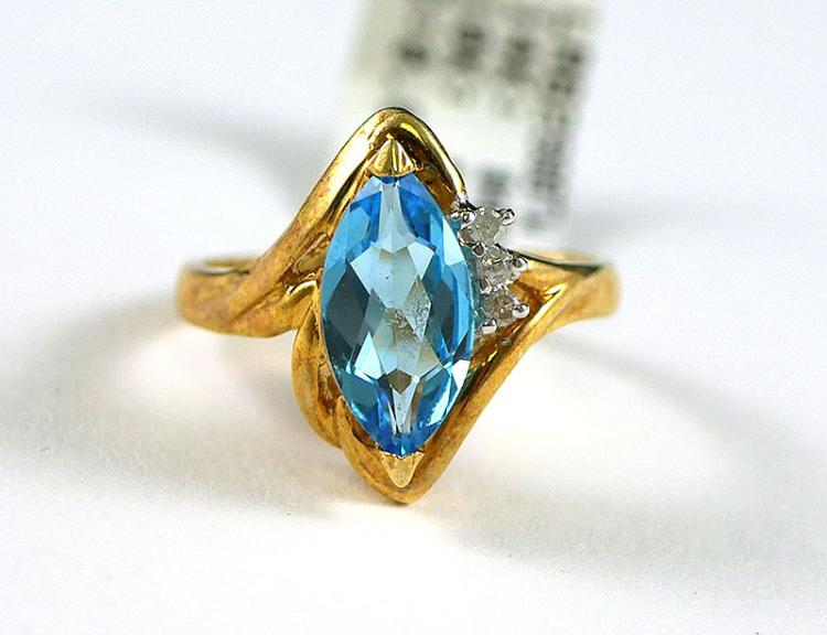 14K YG TOPAZ AND DIAMOND RING