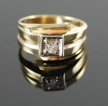 MANS 14K YG DIAMOND RING