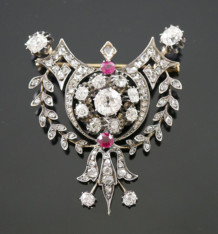 ANTIQUE VICTORIAN DIAMOND BROOCH - 5 CARATS-