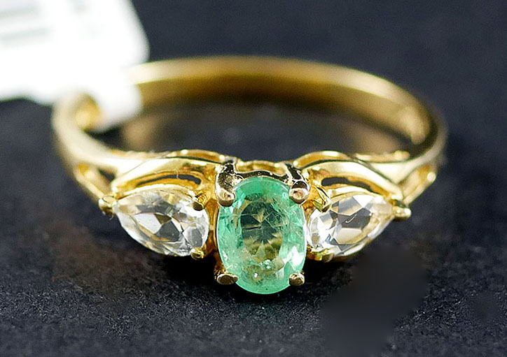 14K EMERALD AND CZ RING