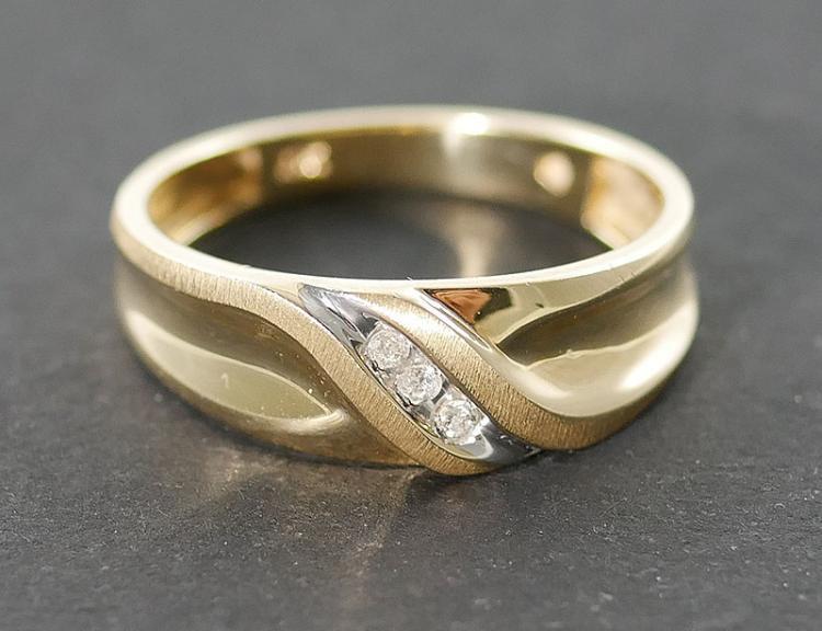 10K MANS DIAMOND RING