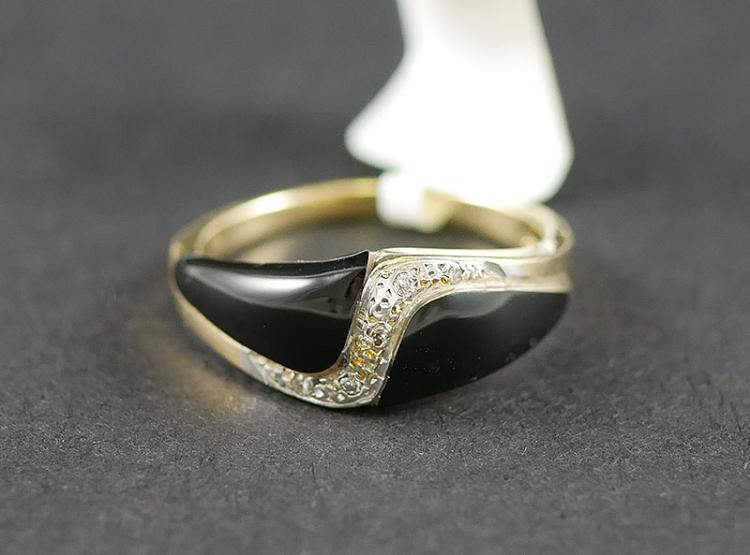 14K YG BLACK ONYX AND DIAMOND RING
