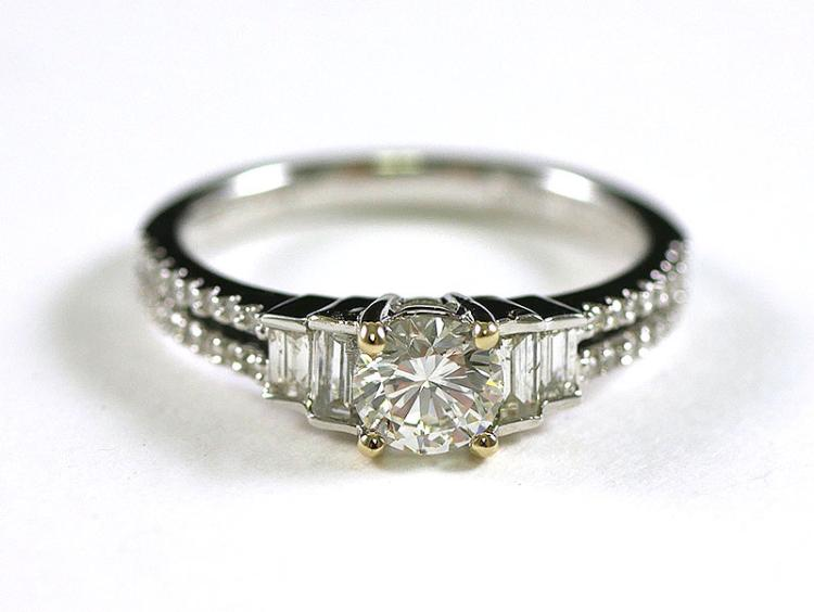 OUTSTANDING 18K DIAMOND RING .95 CARAT