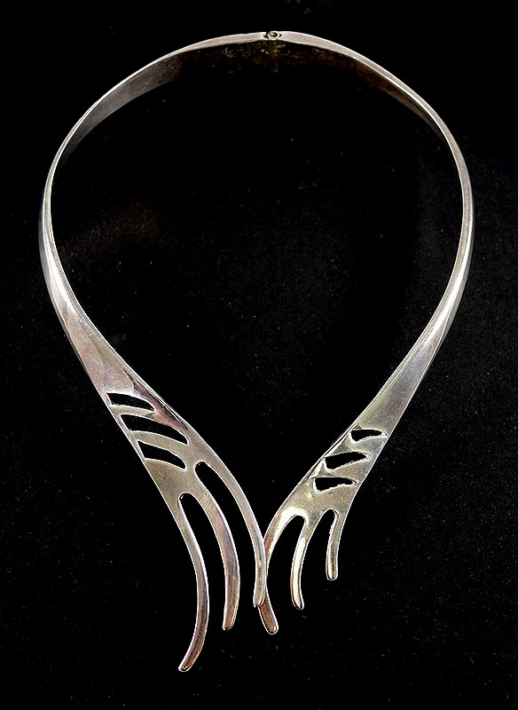 ZUNI STERLING SILVER INDIAN COLLAR NECKLACE