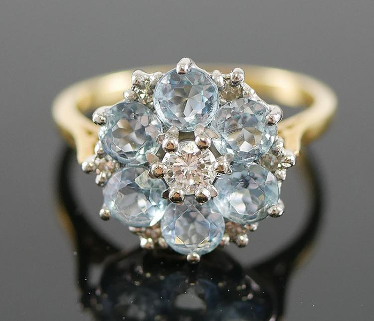 18k AQUAMARINE AND DIAMOND RING