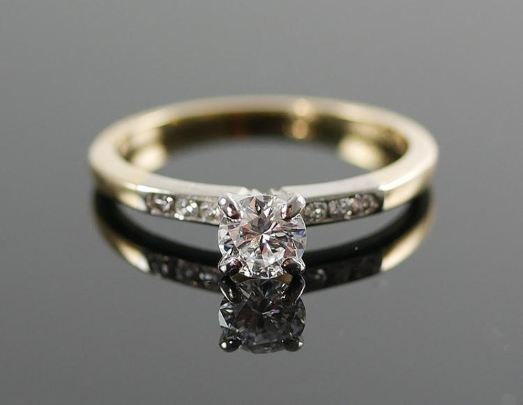 14K ENGAGEMENT DIAMOND RING