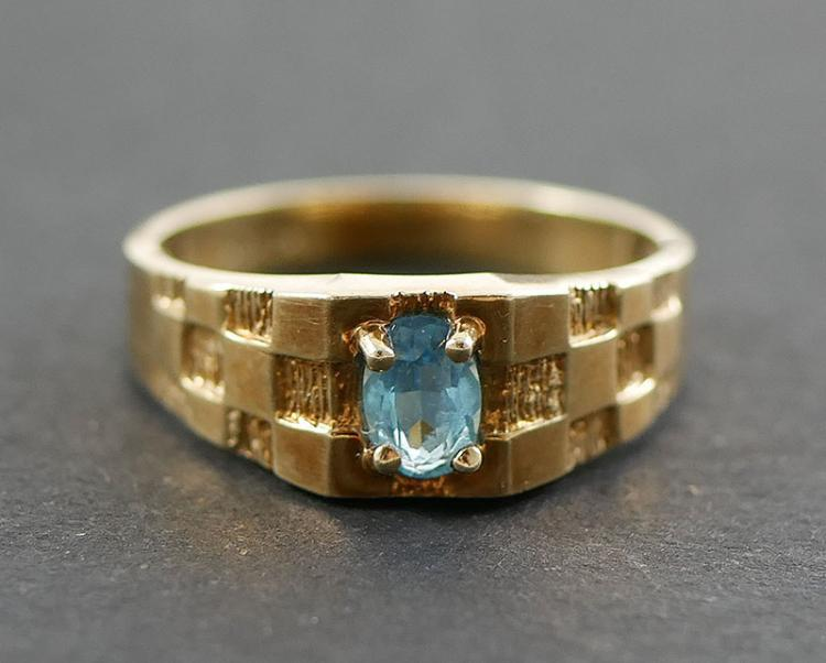 10K BLUE TOPAZ RING