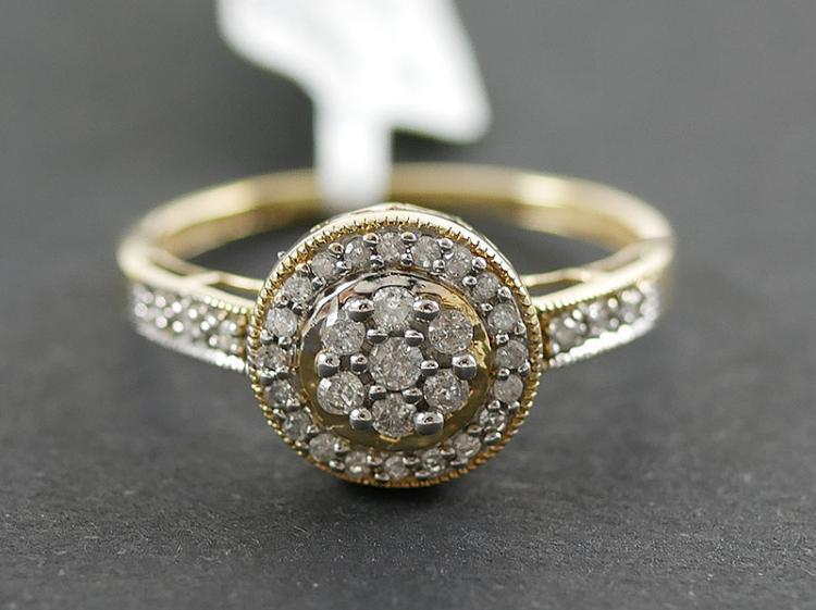 10K DIAMOND RING  1/2 CARATS