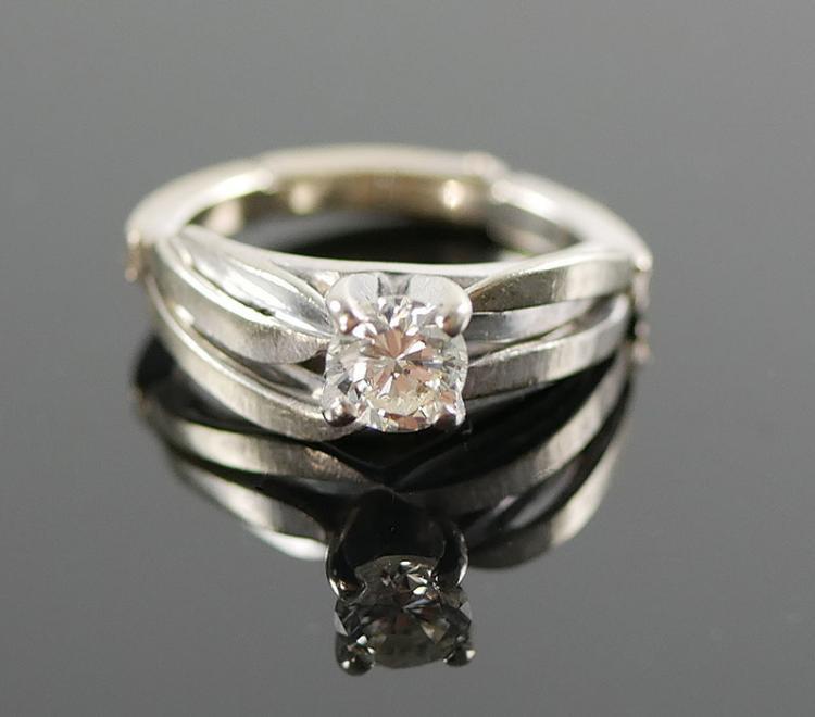 14K WG DIAMOND SOLITAIRE RING