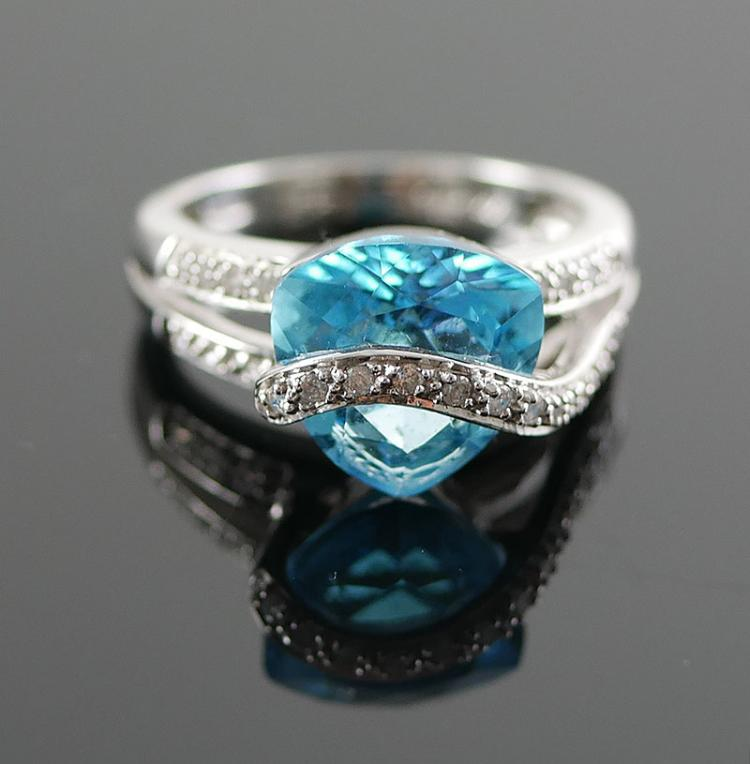 14K WG DIAMOND AND TOPAZ RING