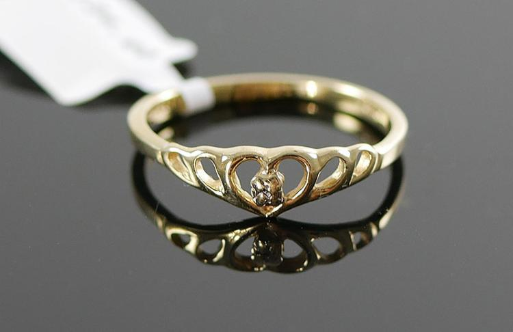 10K YG HEART SHAPED RING