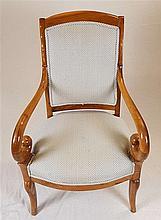 Armlehnsessel - Holz, gedrechselt, Rücklehne und Sitzfläche neu gepolstert,