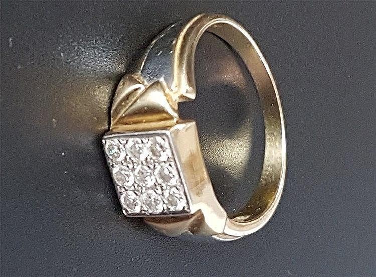 Herrenring - Gelb-/Weißgold gestempelt 750, mit 9 Diamanten ca. 0,9 ct., Gewicht ca.7,5g,Dm.ca.21mm