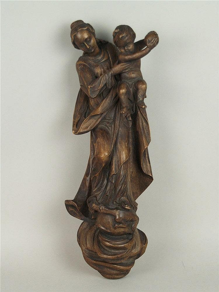 Holzfigur - Madonna mit Jesuskind, geschnitzte Holzfigur auf Sockel, Wandanhänger, einfarbig gefasst, H.ca.43cm, kl.Riss an der hinteren Seite