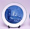 Zwei Wandteller- Meissen Schwertermarke,2. Hälfte 20.Jhdt.,unterglasurblaue Bemalung. Ansicht vom Dogenpalast/Venedig 1976 sowie nächtliche Darstellung der Stadt Meissen mit Dom,Monogramm ''K.Z.''