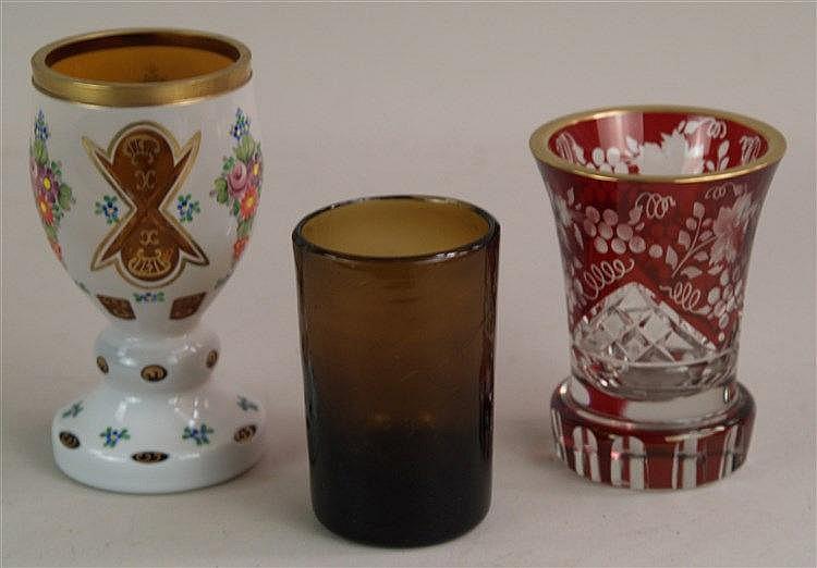 Konvolut Gläser - 3-tlg., Kelch- bzw.Becherform,diverse Überfänge und Schliffe,Altersspuren,H.ca.11,5 - 16 cm
