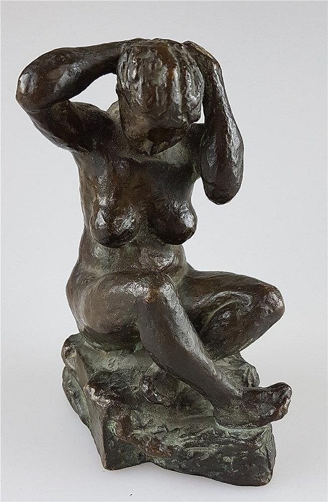 Bronzefigur - Weiblicher Akt sitzend, signiert ''Abel'' A25, H.ca.15cm