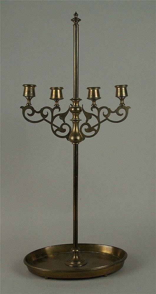 Tisch-/Kerzenleuchter - Messing massiv, 19.Jh.,4-flammig,ovales Tablett mit hochgezogenem Rand,höhenverstellbar, H.ca.63,5cm