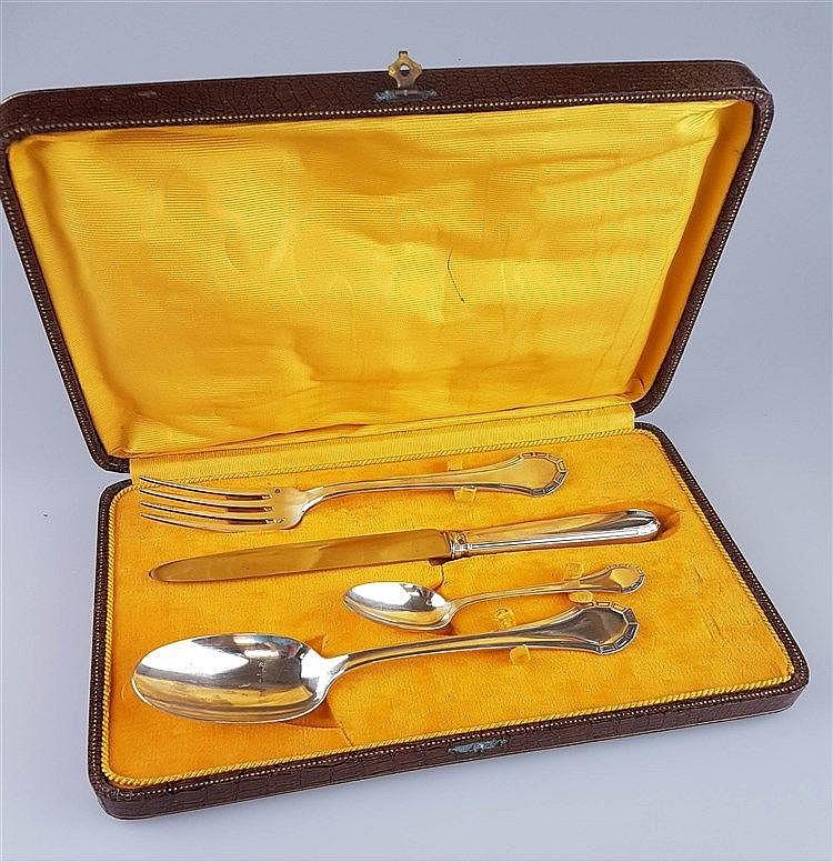 Besteckset - 4-tlg: Messer, Gabel, Löffel, Teelöffel,Silber,''H&C;'' gestempelt, Jugendstil, in Schatulle, Gesamtgewicht ohne Messer ca.192g,L.ca.14-24cm
