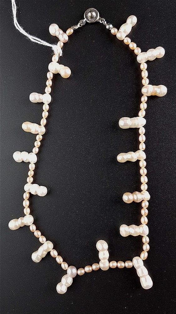 Perlenkette - Süßwassserperlen im Roséton,sehr schöner Lüster,lange Dreier-Zuchtperlen als Zwischenelemente,L.ca.40cm