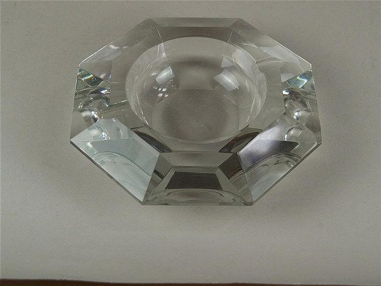 Ascher - Kristallglas, facettierte Achteckform, Gebrauchsspuren, D.ca.23cm