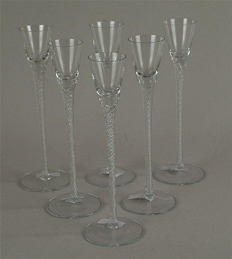 6 Genevergläser - Klarglas,Schaft mit eingedrehten Luftblasenspiralen über Linsenfuß, H.ca.23,5cm,unterseitig gemarkt,guter Zustand