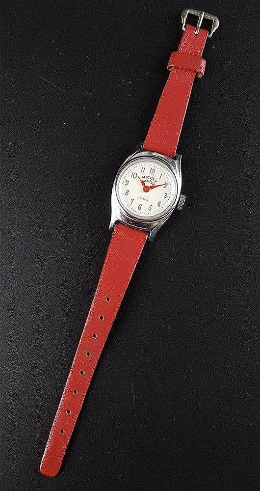 Kinderarmbanduhr - Ingersol, US Time, Mickey Mouse, mechanisches Werk, Lederarmband, um 1960, Durchmesser ca. 23 mm