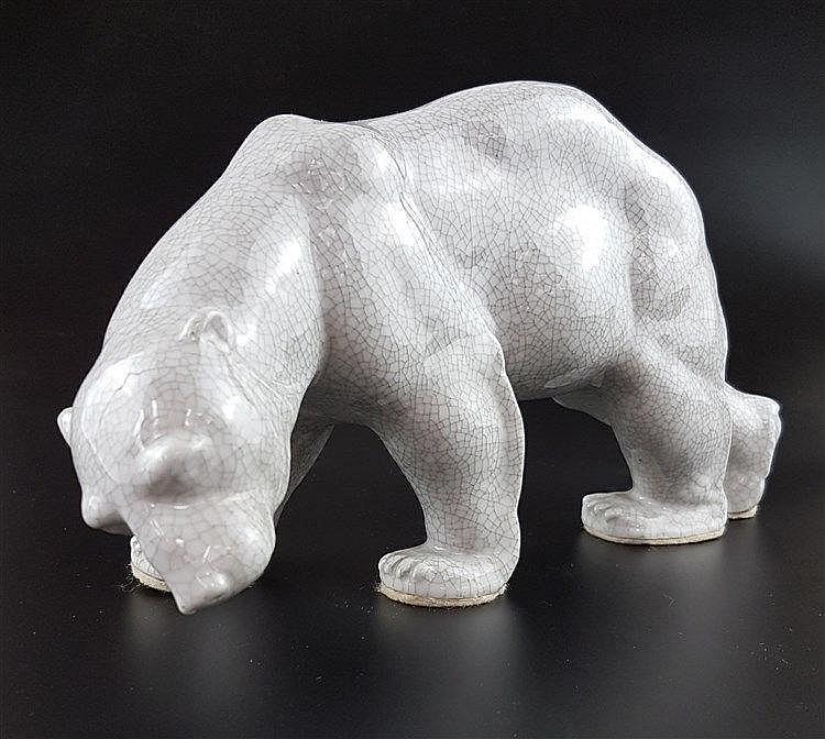 Porzellanfigur ''Eisbär'' - Lichte Porzellan, krakeliert glasiert,naturalistische Darstellung, ca.14x30cm