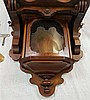 Wandregulator- Jugendstil, Gustav Becker, ca.100x42x22cm, üppiger Dekor, Nussbaumgehäuse, gedrechselt,Emaille Zifferblatt mit arabischen Ziffern, verglast, guter Zustand