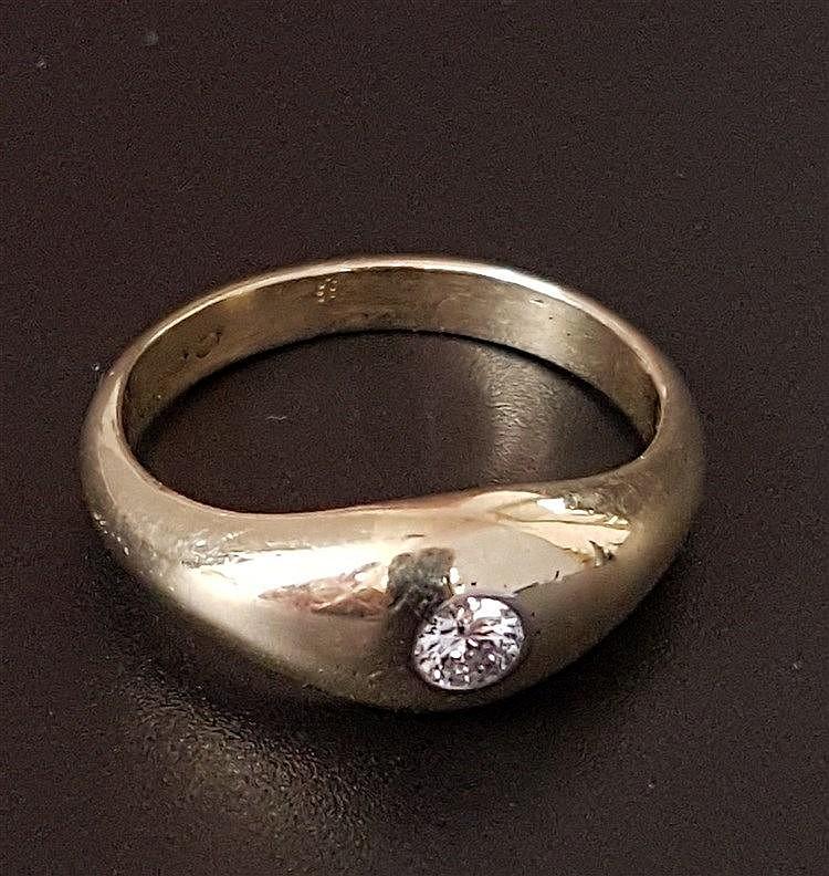 Diamantring - Gelbgold gestempelt 585, mittig besetzt mit 1 Brillanten,ca.0,2ct.,Dm.ca.19mm,Gew.ca.7 ,2g