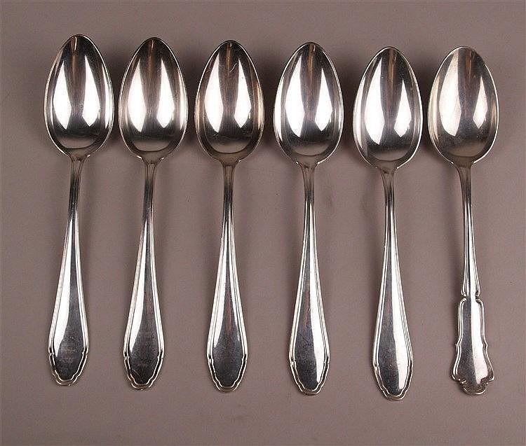 6 Suppenlöffel - Silber 800 gestempelt, L.ca.21cm, 1x abweichende Randgestaltung, Gesamtgewicht ca.382g