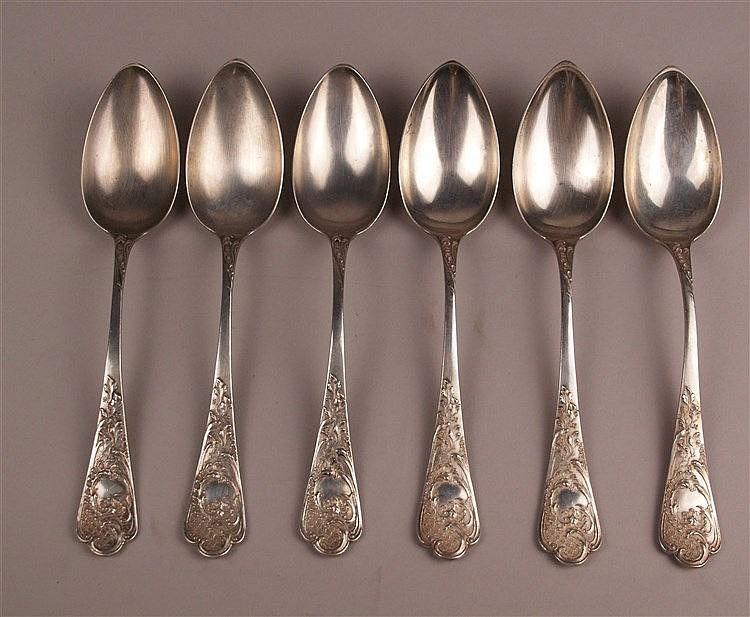 6 Suppenlöffel - Silber 800 gestempelt, üppig reliefierte Griffe mit floralen Ornamenten, L.ca.22cm, Gesamtgewicht ca. 440g