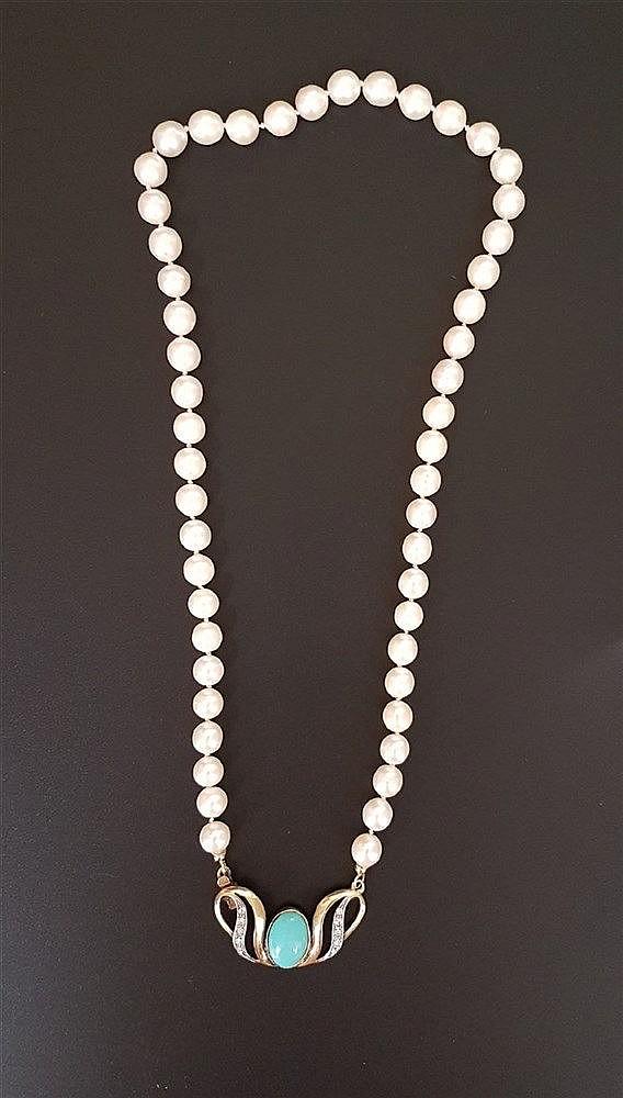 Perlenkette - Zuchtperlen in Einzelknotung,geschweifter 800er Silberverschluss,vergoldet mit Schmucksteinen,L.ca.49cm