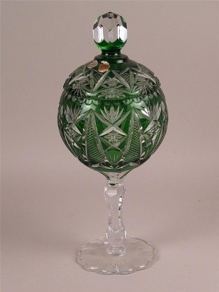 Bowlengefäß - Kristall Nachtmann, Bayern, mit Deckel, grün/farbloses Bleikristall mit Diamantschliff, Handarbeit, H.ca.39cm
