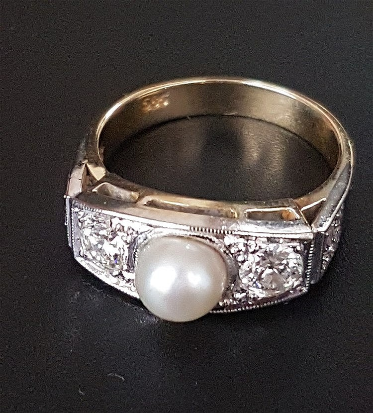 Perlenring - WG/GG gestempelt 585,Besatz mit Perle und 10 Diamanten im Brillantschliff,zus.ca.0,6ct,Dm.ca.17mm